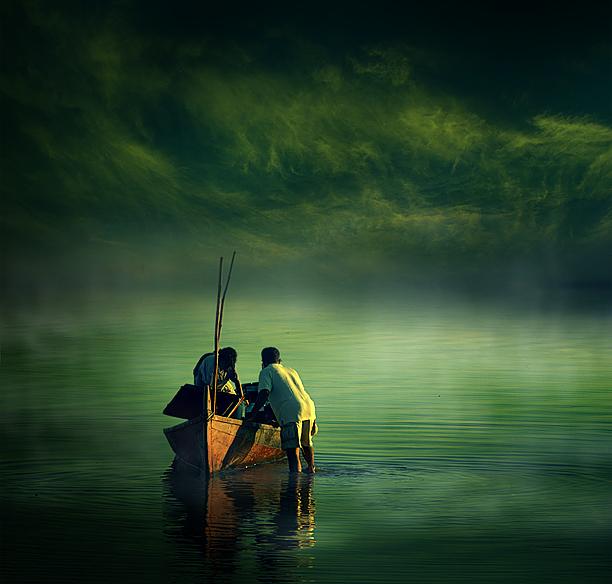 लहरों से डर कर नौका पार नहीं होती, कोशिश करने वालों की कभी हार नहीं होती  - Surya Kant Tripathi